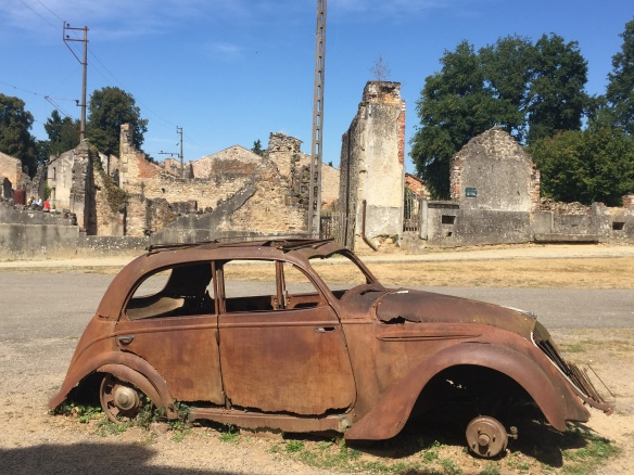 burnt out car oradour